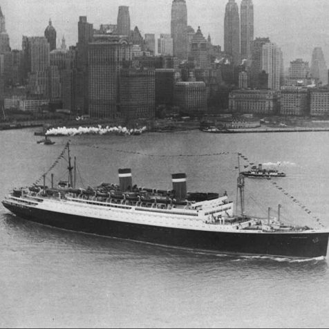 The SS Washington against the Manhattan skyline, circa 1935. Photo courtesy of the National Archives.